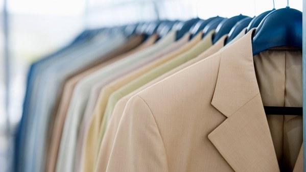 Cum să cureți petele de ulei de pe haine în 3 pași simpli